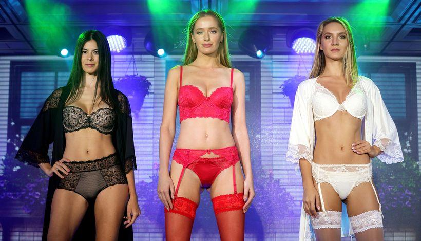 Выставки женского белья в москве мужики в нижнем эротическом женском белье