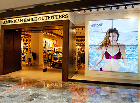 American_Eagle_Outfitters_Store.jpg